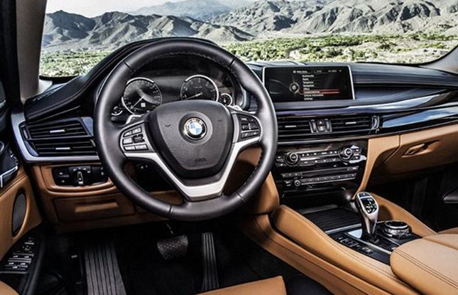 Interiér druhé generace BMW X6